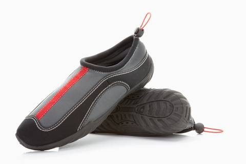 8e127611c37e Use water sport shoes or no shoes for SUP